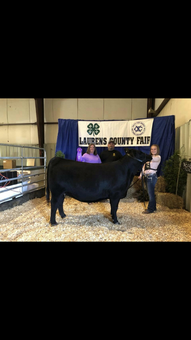 Hannah Wooten: Grand Champion Crossbred