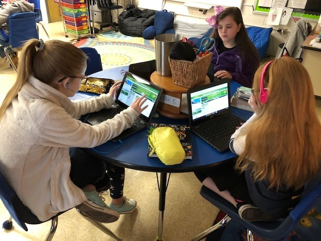 5th graders participate in the Grinch's Hour of Code
