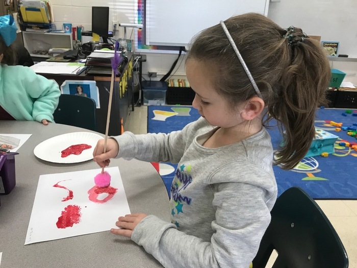 K5 students design paintbrushes in STEM.