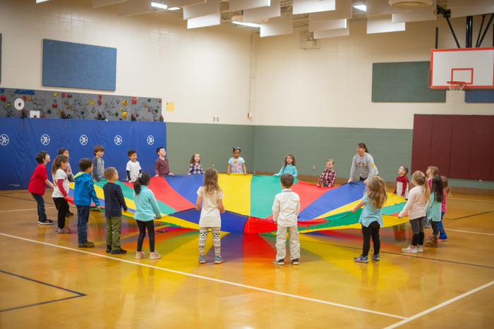 Parachute Gym Day at Iva