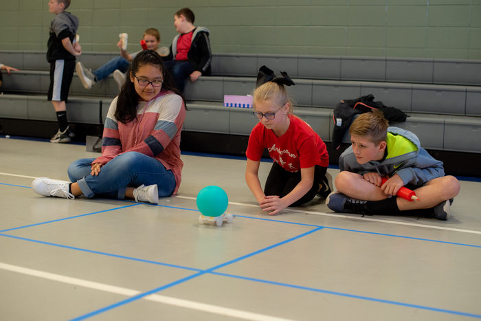 Starr kids participate in a Jet Toy competition.