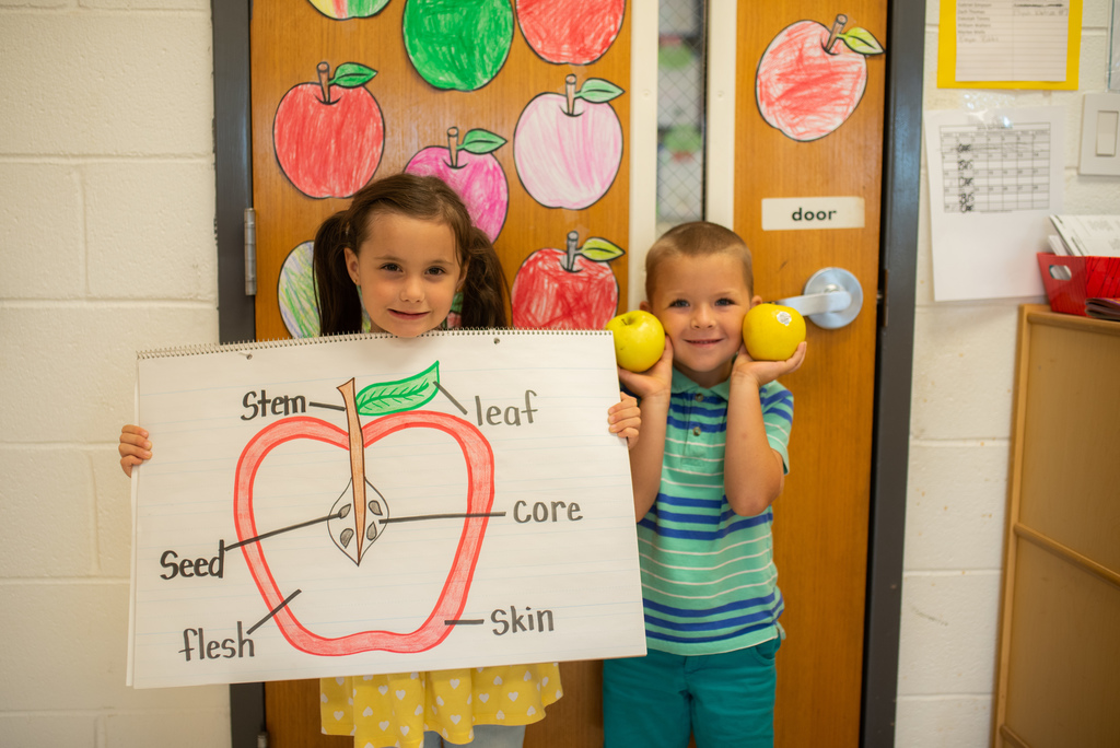 Apples of fun at Iva!
