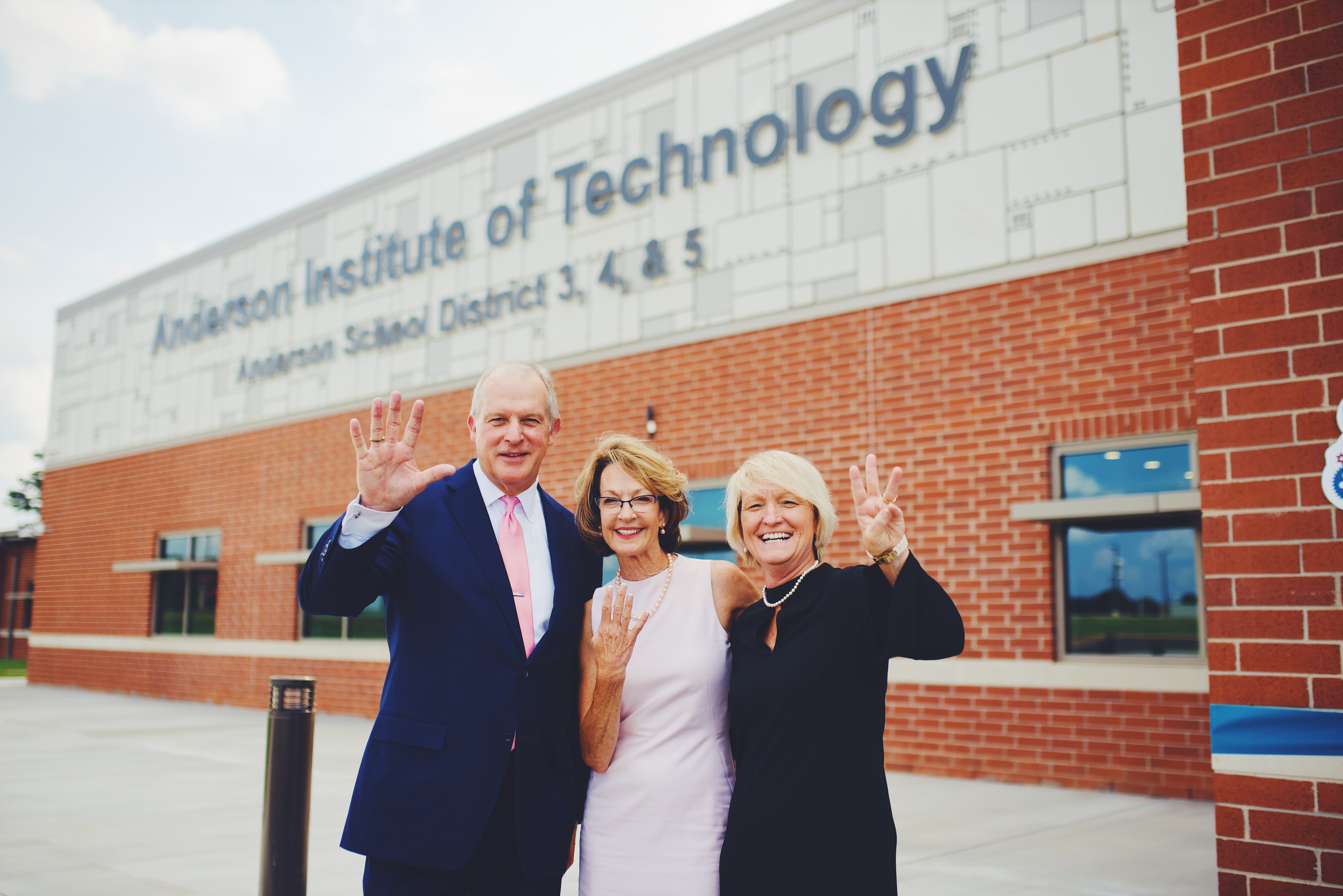 Superintendents of Anderson School Districts 3,4, & 5 Cut the Ribbon on the New Anderson Institute of Technology